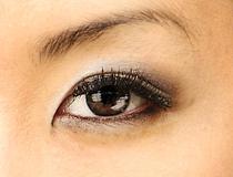 目もとの輝きアップ